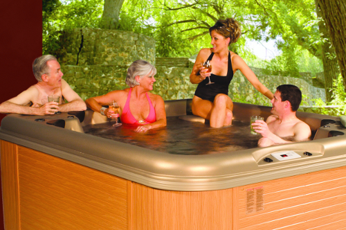 Nordic-Rendezvous-Royal-hot-tub-large-spa