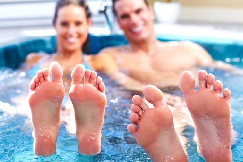 Young relaxed couple in jacuzz