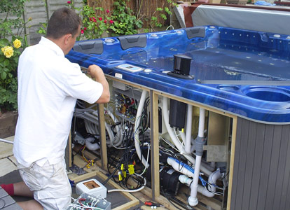 SpaTek hot tub repair technician